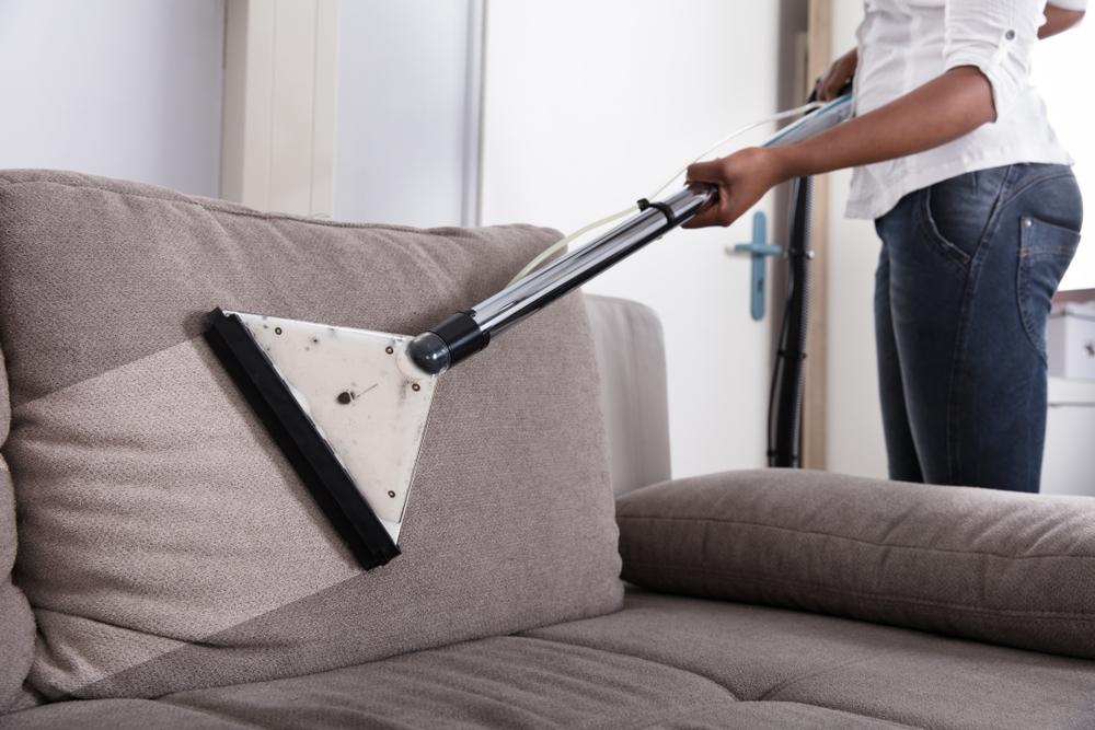 Curatat canapele Bucuresti-servicii de elita doar cu Curatenie Pro