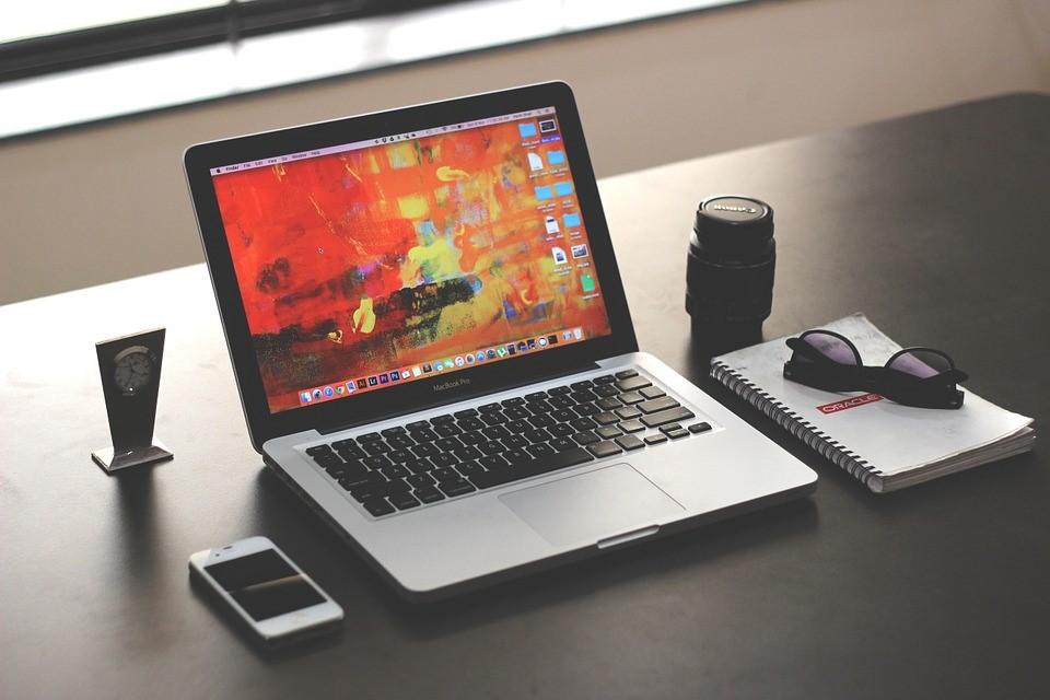 10 moduri de a repara laptopul de unul singur
