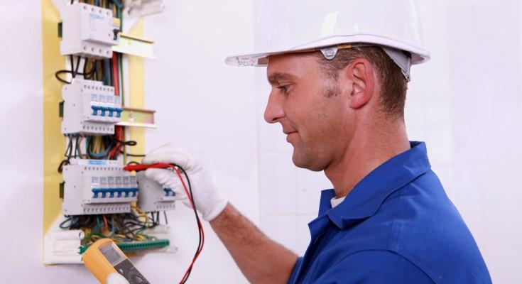 Esti in cautarea unui electrician in sectorul tau?Electrocoserv este ajutorul ideal pentru interventii de urgenta