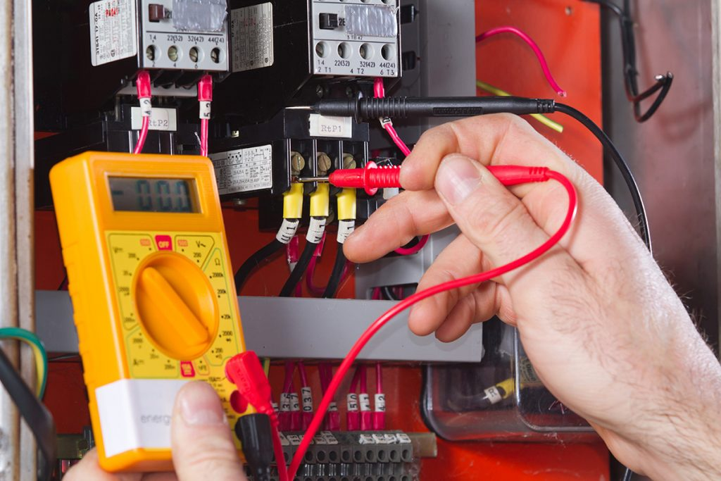 De ce sa va puneti toata increderea intr-un electrician sector 3 de la Electrocoserv?