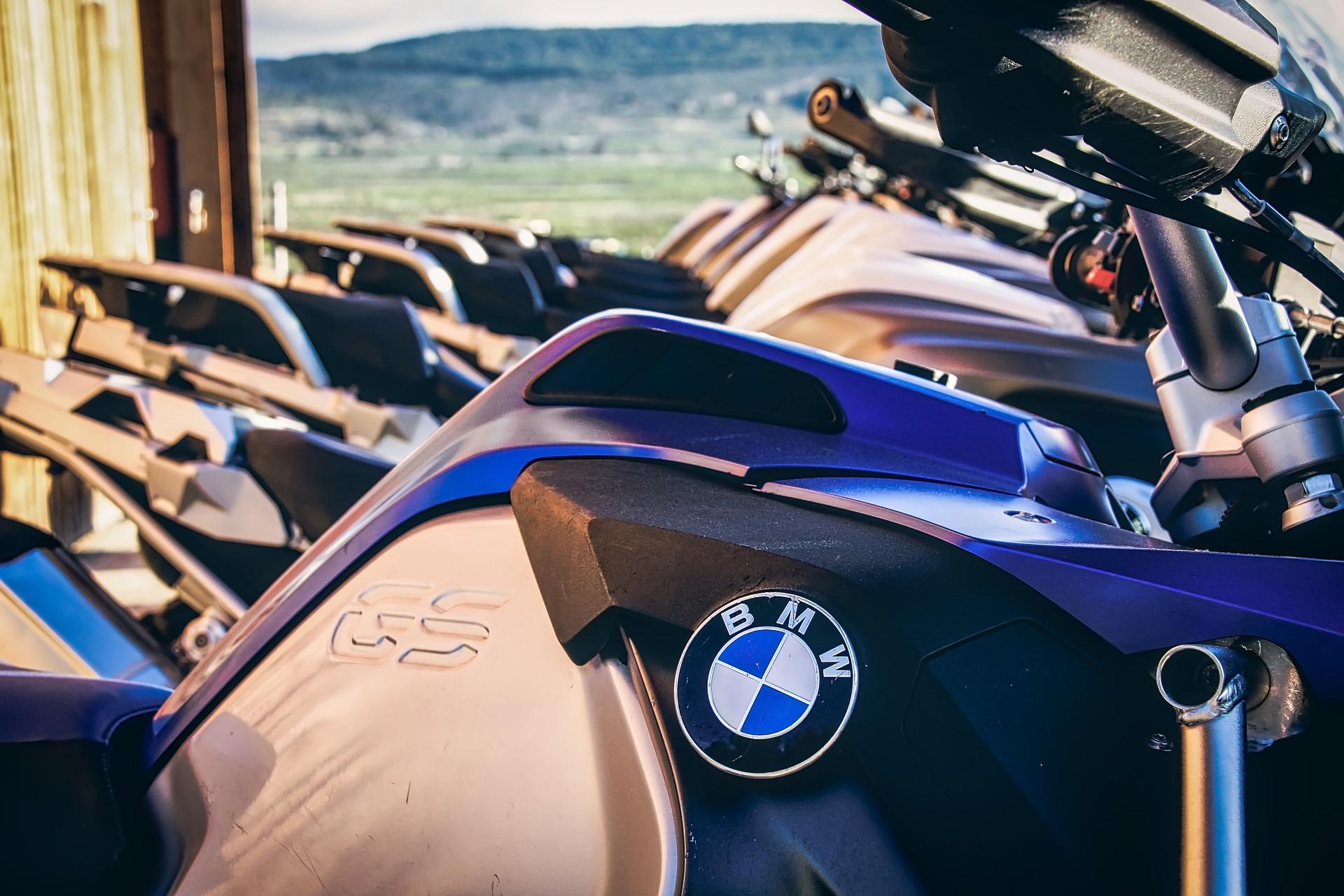 BMW dezvaluie un nou prototip de motocicleta electrica!