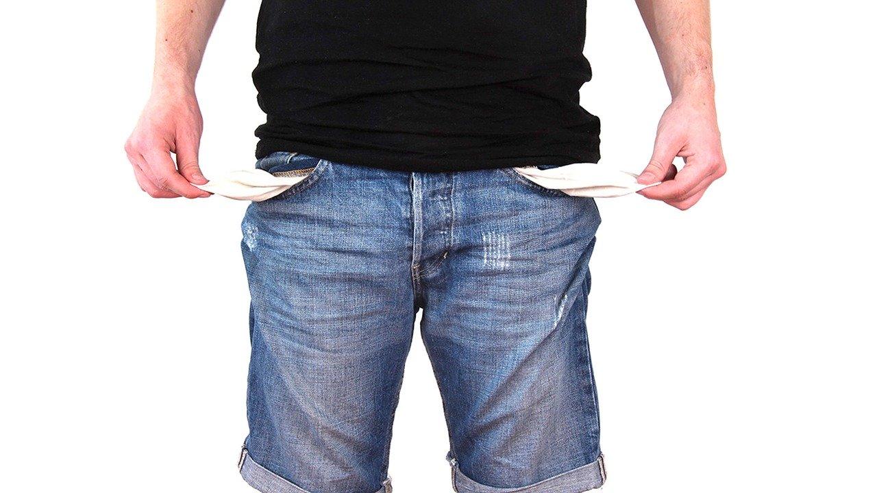 Majoritatea americanilor se tem ca nu vor putea achita datoriile cardurilor de credit de sarbatori