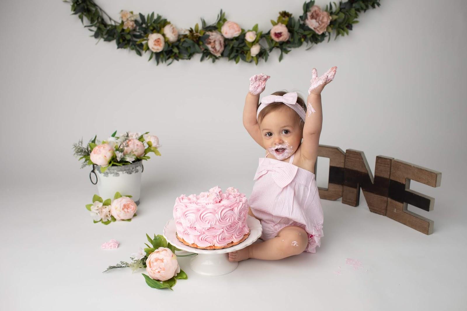Sedinta foto smash the cake realizata de Cotea Razvan