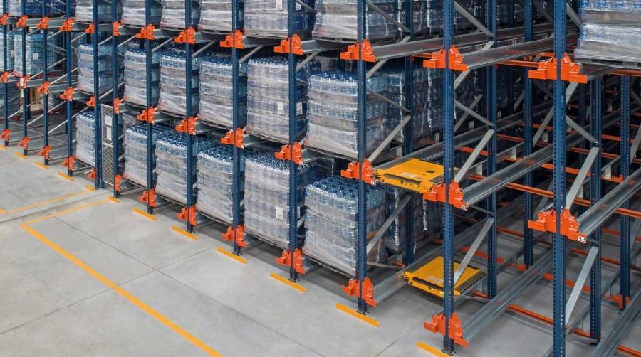 Montaj rafturi metalice de la Storeexpert.ro-produse care iti ofera garantia calitatii si securitatii