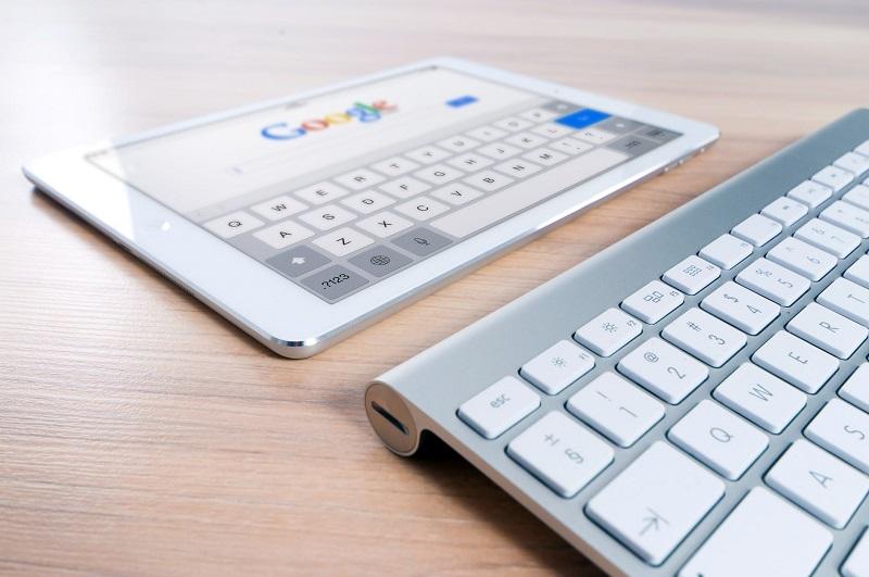 Exults ofera informatii despre Alphabet – Google