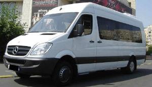 Inchirieri microbuze-servicii ireprosabile doar cu Lukadi Transport