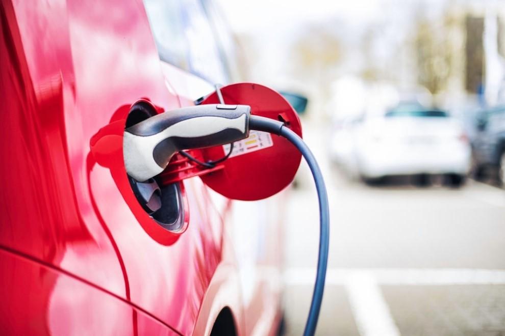 Care este costul intretinerii unei masini electrice in comparatie cu cea traditionale?