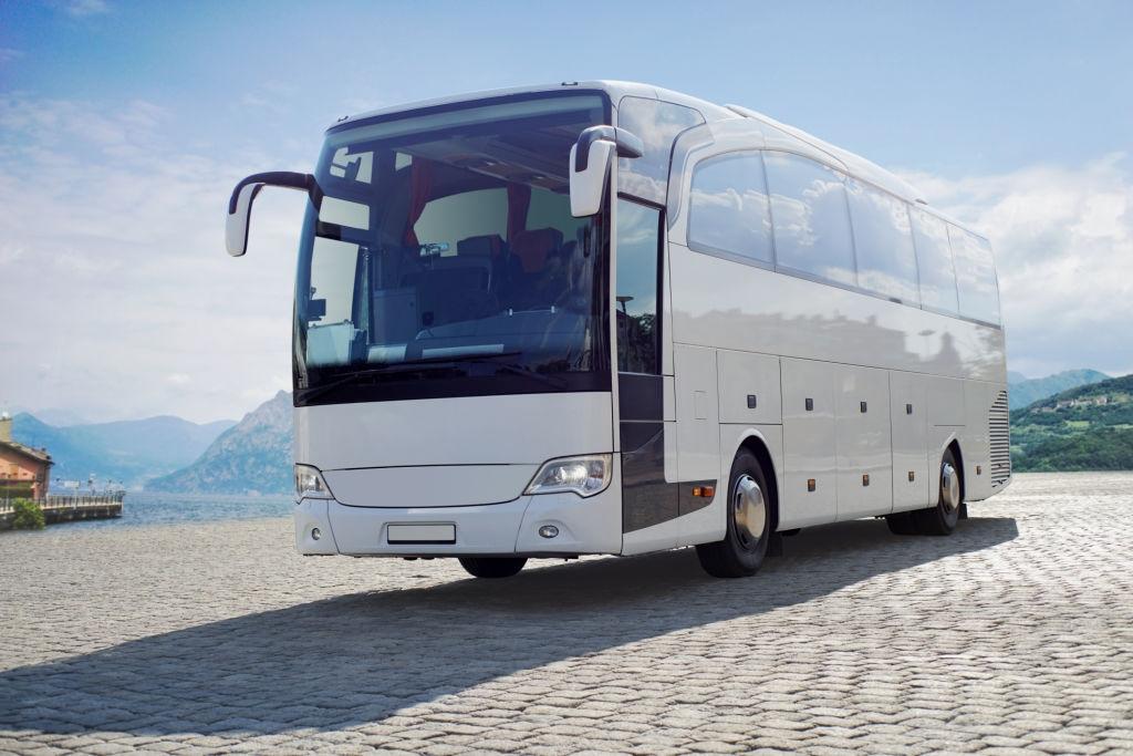 De ce sa beneficiati de solutiile de transport persoane de la Lukadi Transport?