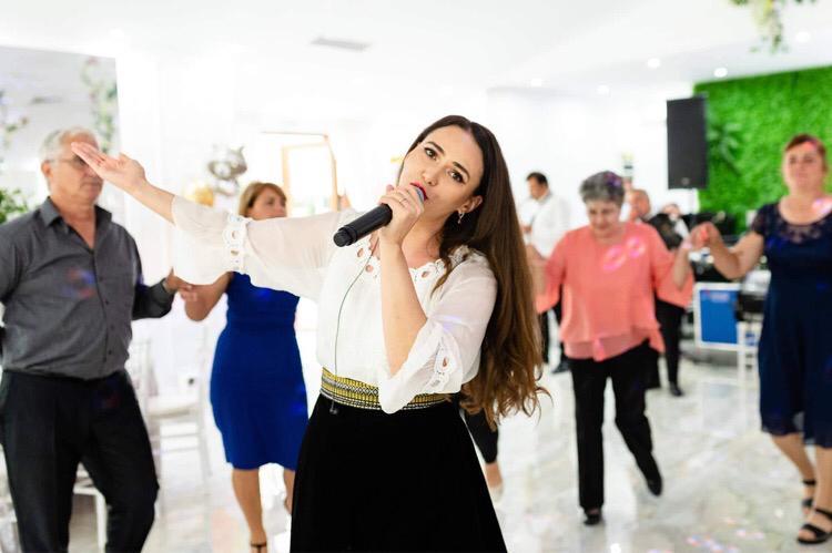 Grand Music Events-formatia de nunta care iti asigura un show de exceptie