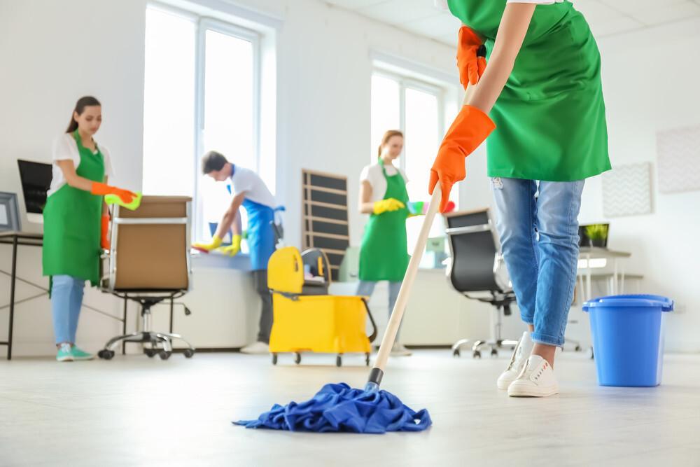 Pentru curatenia in scara blocului alege serviciile celor de la Curatenia.ro