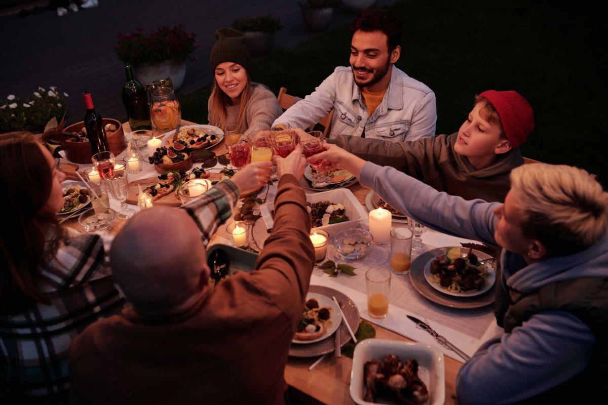Iată 3 idei creative pentru organizarea unei petreceri surpriza