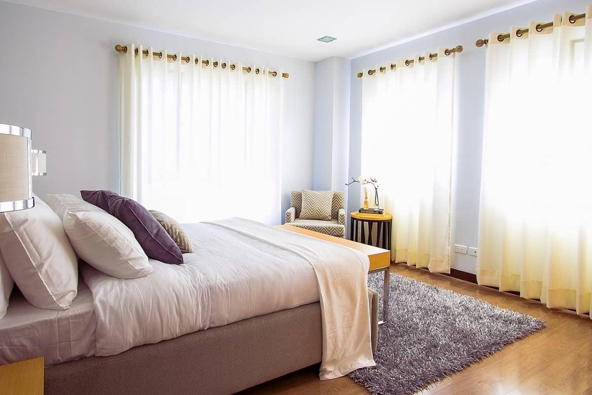 Vrei sa aduci o schimbare in dormitorul tau,fara a face investitii mari?Afla aici cum!